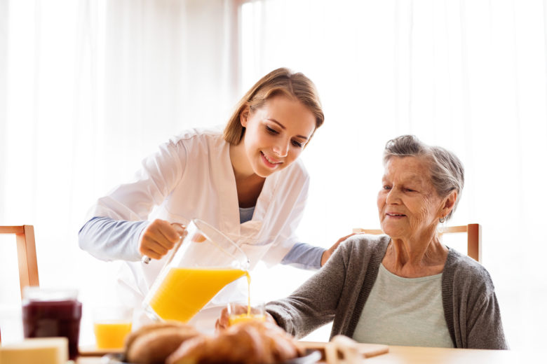 Hospice Care in Atlanta GA: Five Tips for Helping Your Family Member Continue to Eat in Late-stage Alzheimer's